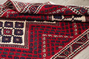 Hand-Knotted Red Geometric Bakhtiari Persian Rug Wool 3x4